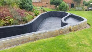 Box-welded pond liners not limited by pond design